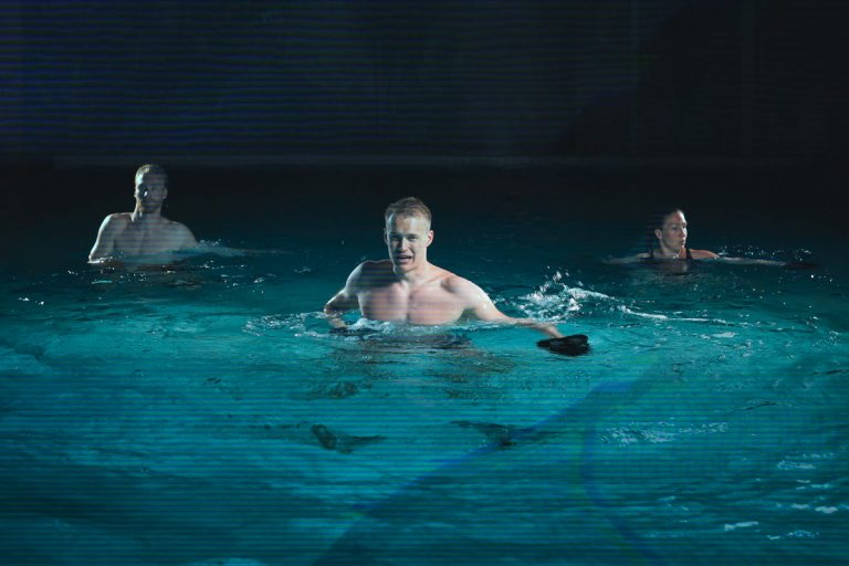 Virtual fitness in a pool